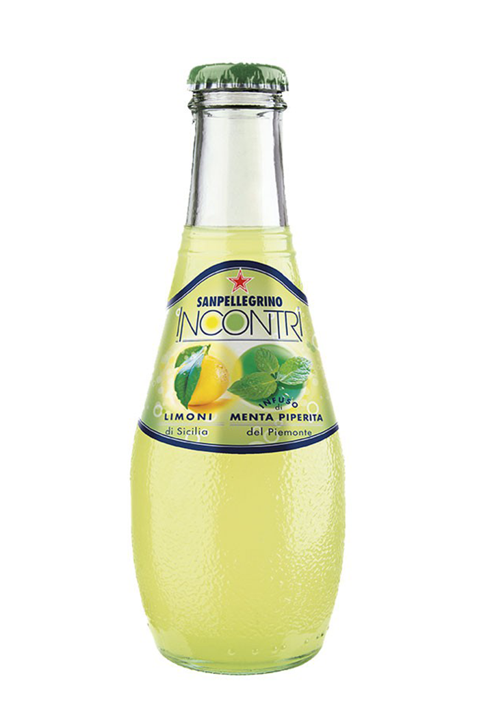 """La dissetanza dei Limoni di Sicilia """"incontra"""" la freschezza dell'infuso Menta Piperita del Piemonte, dall'aroma intenso e inconfondibile che incanta l'olfatto."""