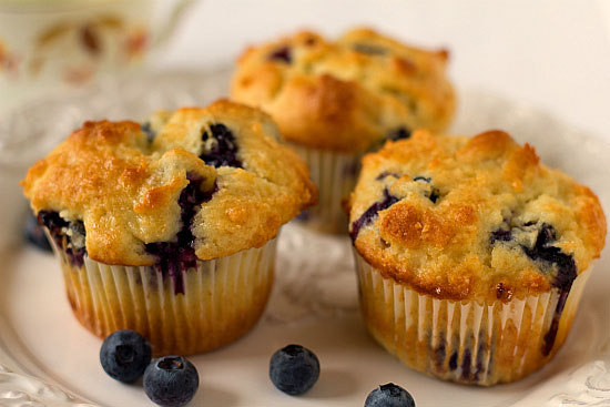 blueberry-muffins-2-550-FW